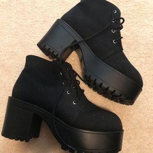 Chunky heel H&M booties!